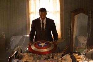 Sam Wilson (Anthony Mackie) holds Captain America's shield.